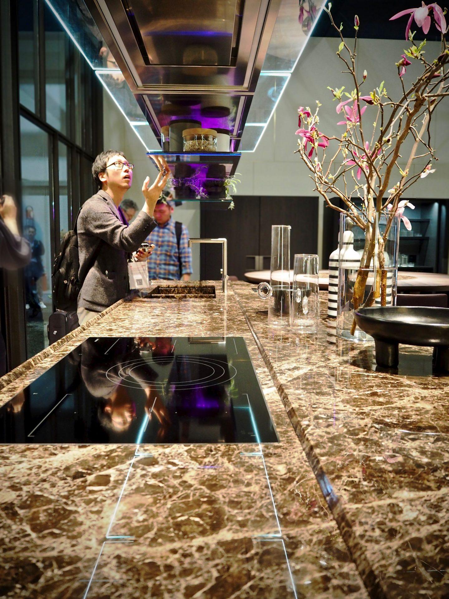 Poliform kitchen, Emperador extra dark marble, highlights from Salone del Mobile 2018, via hellopeagreen