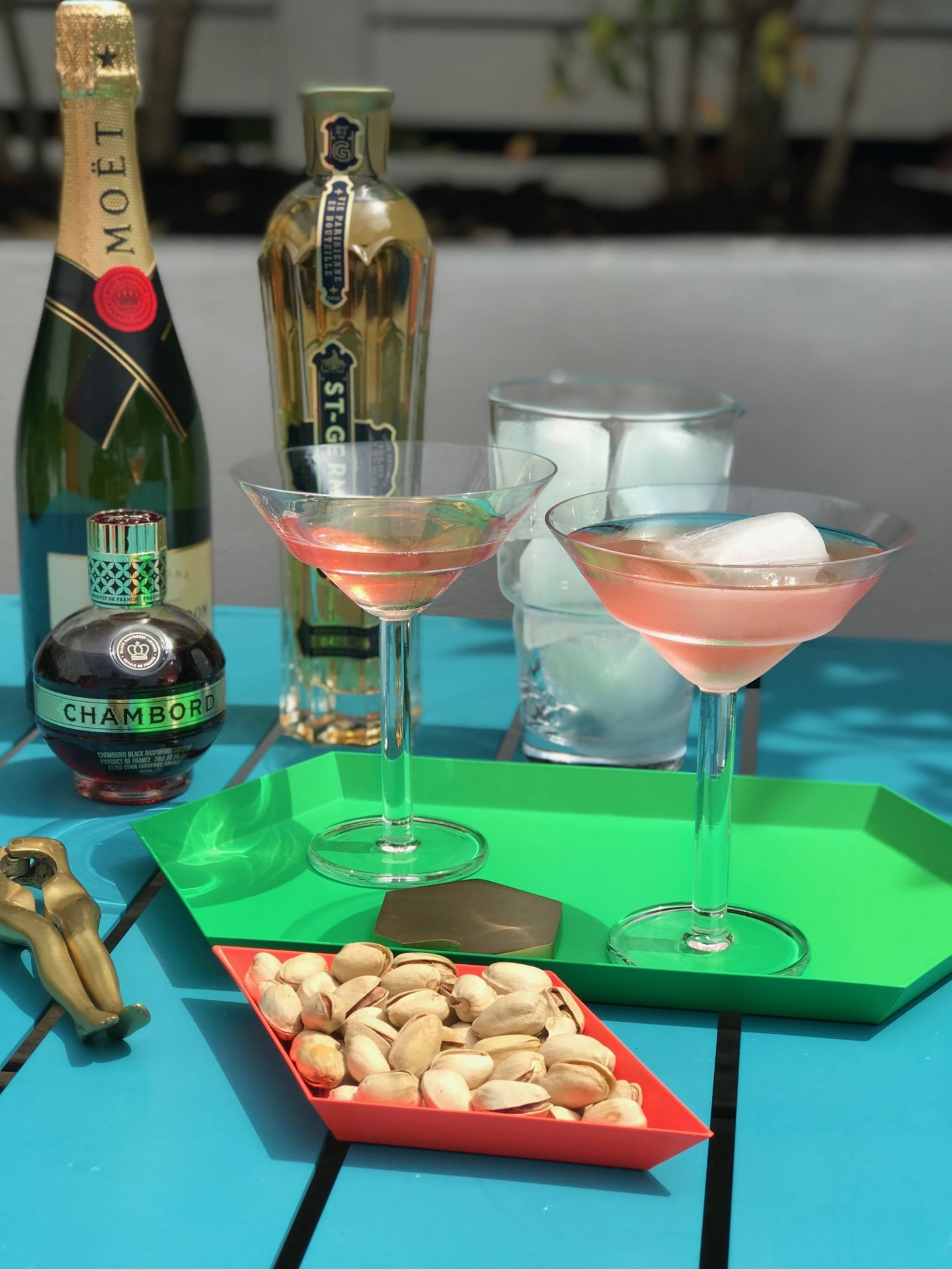 A classic bank holiday cocktail recipe, World Cocktail day, LSA International, Mixologist, Cocktail Glasses, Hello Peagreen