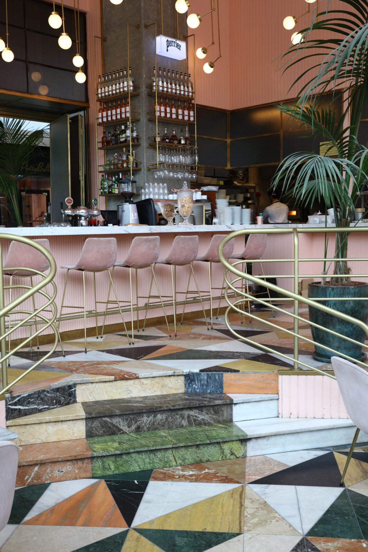 Choosing the right stone, Cafeteria in Tel Aviv, designer Meir Guri