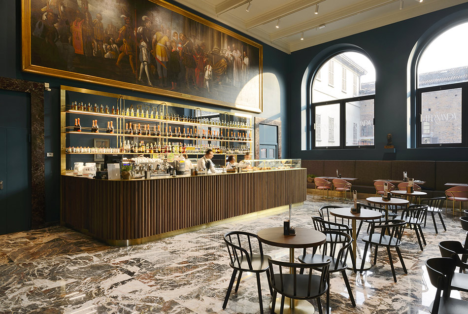 Choosing the right stone, Caffe Fernanda in Milan, Rosso Lepanto Marble