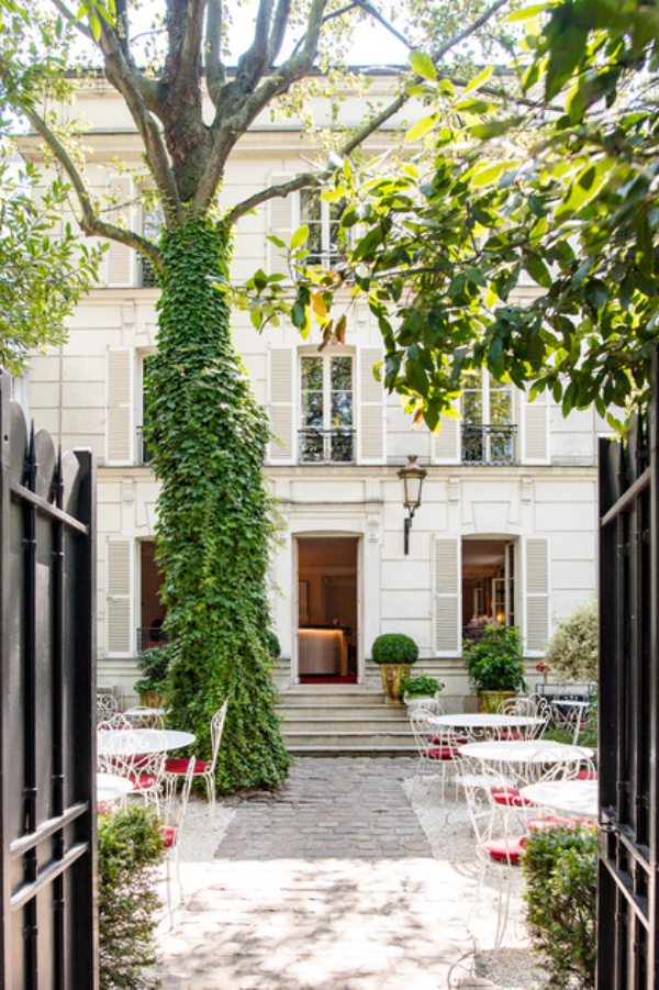 Swoonworthy Paris Hotels for the Design Tourist, Design Tourist, interiors, Hôtel Particulier, Oscar Comtet, Morgane Rousseau
