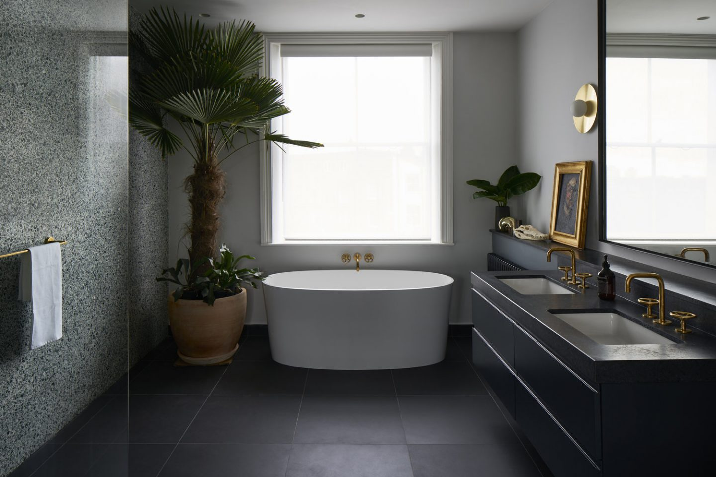 How to write an intriguing blog post headline, blogger tips, image of bathroom design with terrazzo