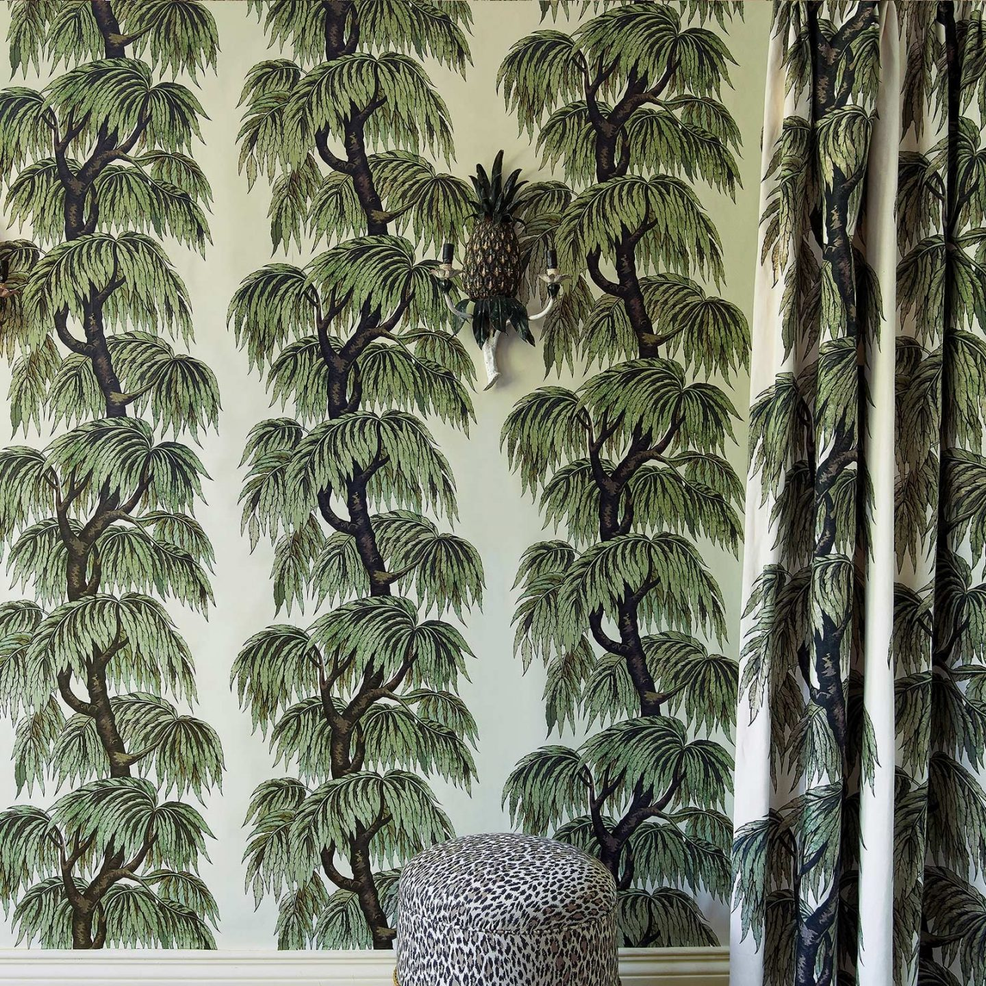 Green Wallpaper, the greenery edit, leafy wallpaper, jungle wallpaper, foliage wallpaper, Babylon wallpaper, House of Hackney