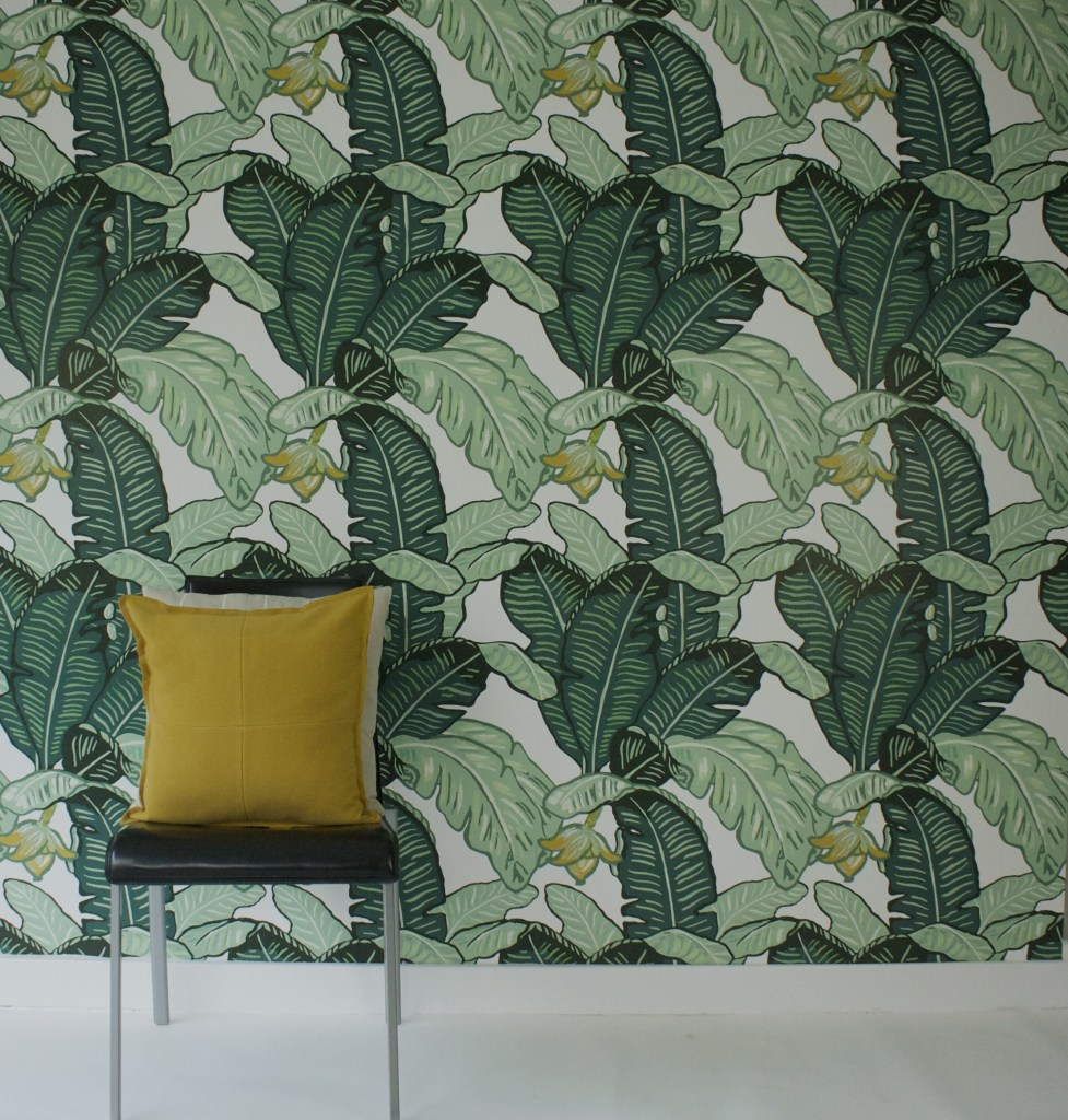 Green Wallpaper, the greenery edit, leafy wallpaper, jungle wallpaper, foliage wallpaper, Feuilles de Luxe wallpaper