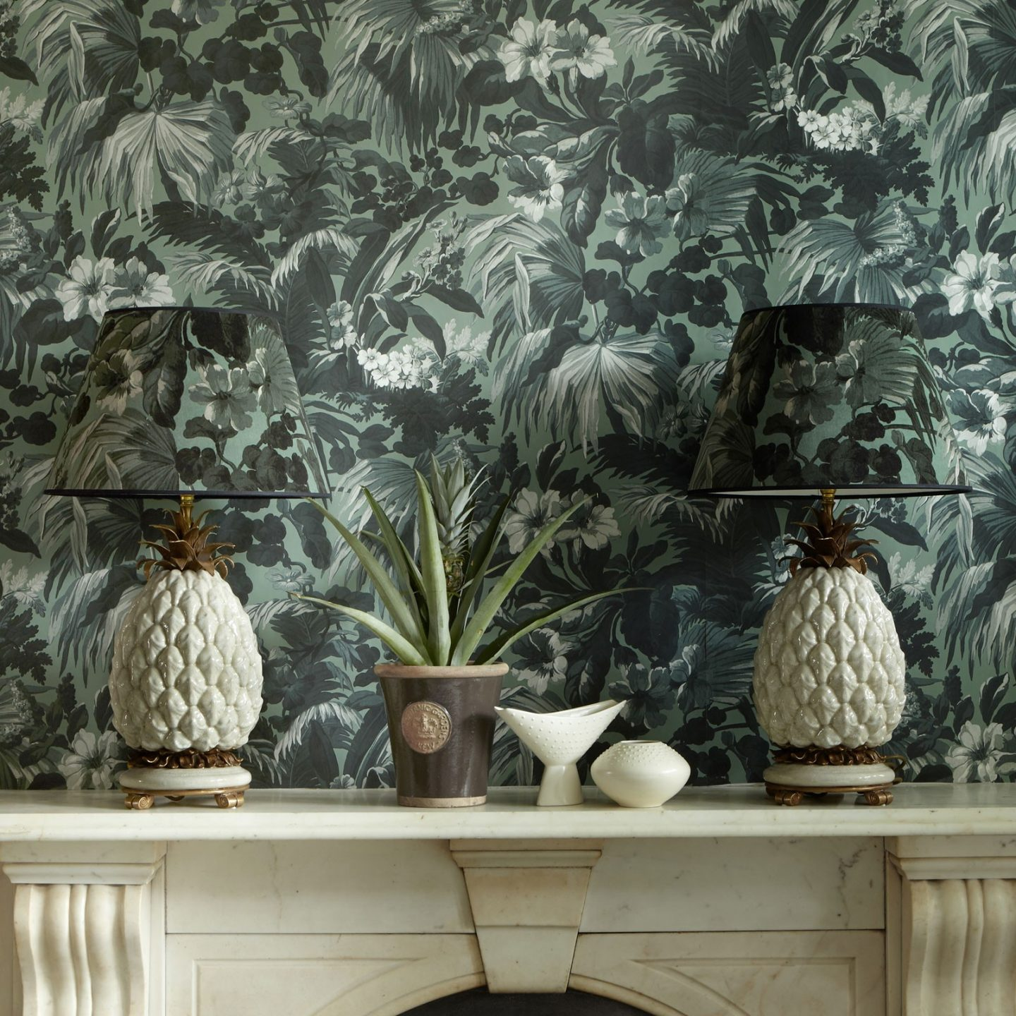 Green Wallpaper, the greenery edit, leafy wallpaper, jungle wallpaper, foliage wallpaper, Limerence wallpaper, House of Hackney