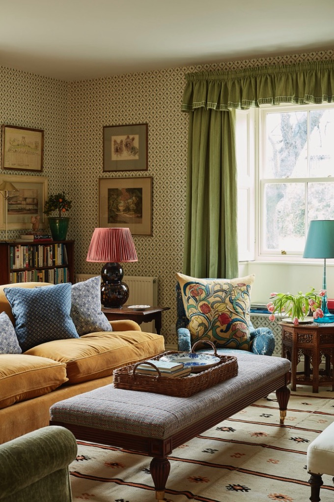 Living Room by Rita Konig, traditional decor, country house style